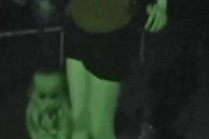 夜中の公園に赤ん坊.JPG